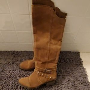 Knee high western style boots